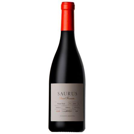 Saurus-Barrel-Fermented-750-ml-Pinot-Noir-Botella